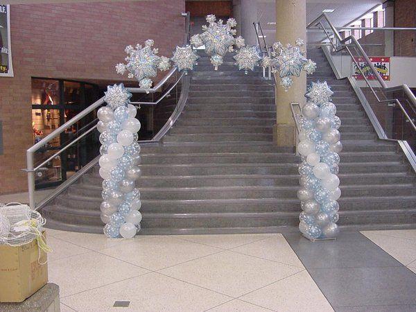 balloon sculptures for winter dance | Wash Winter Formal 600