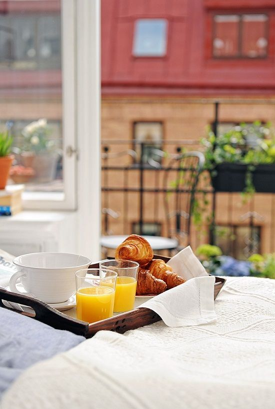 Perfect breakfast every morning big white cup of coffee with fresh orange juice and nuttella - Seven reasons to make the bed every morning ...