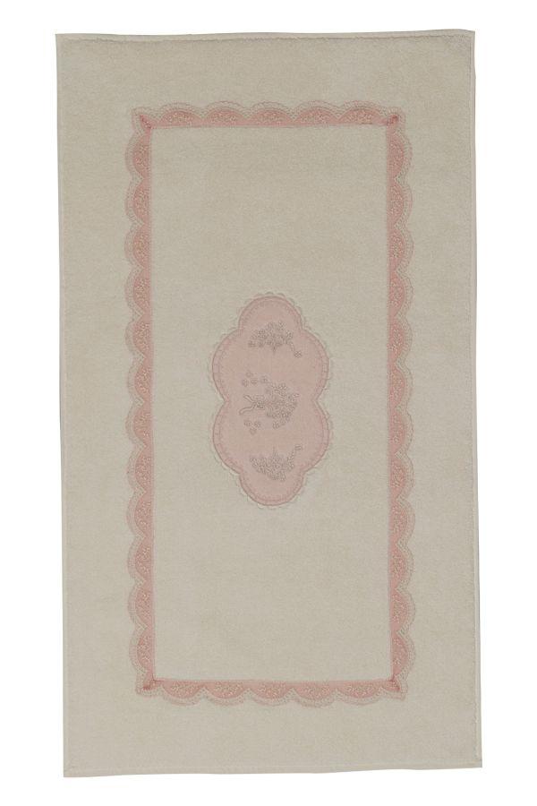 Elegantní předložka BUKET o rozměrech 50x90 cm je k dostání v barvě krémové nebo starorůžové. Spolu s ručníky, osuškami, županem a pantoflemi tak můžete vytvořit jedinečnou koupelnu v okamžiku.