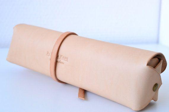 Personalized pen case unisex custom leather pencil by Jemariku