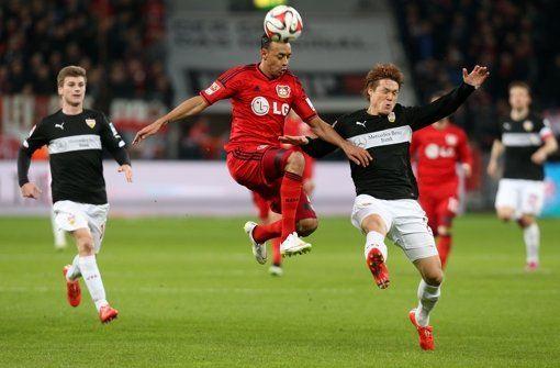 VfB im Abstiegskampf - Zeit der Durchhalteparolen - Der VfB ist Letzter, der Abstieg naht. Nun klammert sich der Club an 30 gute Minuten in Leverkusen und an die Schwäche der Konkurrenz. http://www.stuttgarter-zeitung.de/inhalt.vfb-im-abstiegskampf-zeit-der-durchhalteparolen.6babd76b-9e97-4f99-b8b2-4ccba4558768.html