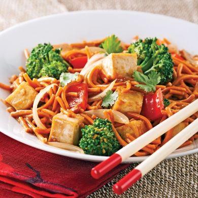 Chow mein végé, sauce satay - Recettes - Cuisine et nutrition - Pratico Pratique