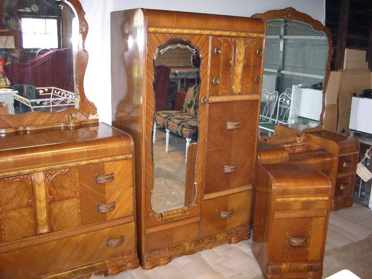 Art deco bedroom set 1930s 1940s waterfall furniture for Chambre a coucher 1940