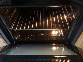 Pulire il forno in modo naturale, metodo fai da te.