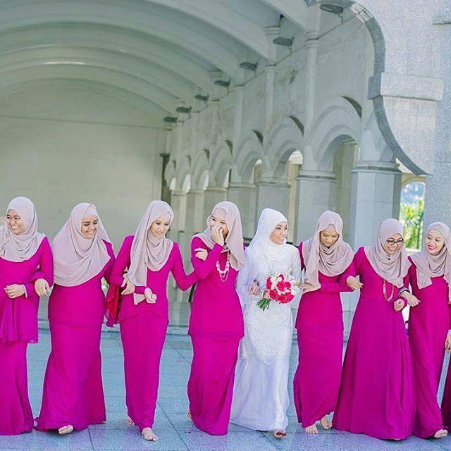@Regrann from @mukhrizudey -  @izyannajlaa & @erman.alias  Photo by @udey.ismail  MUA : @prettylulu_nurule  Wedding Shoes : @christyngshoes  #ermannajlaa #wedding #muslimwedding #Regrann