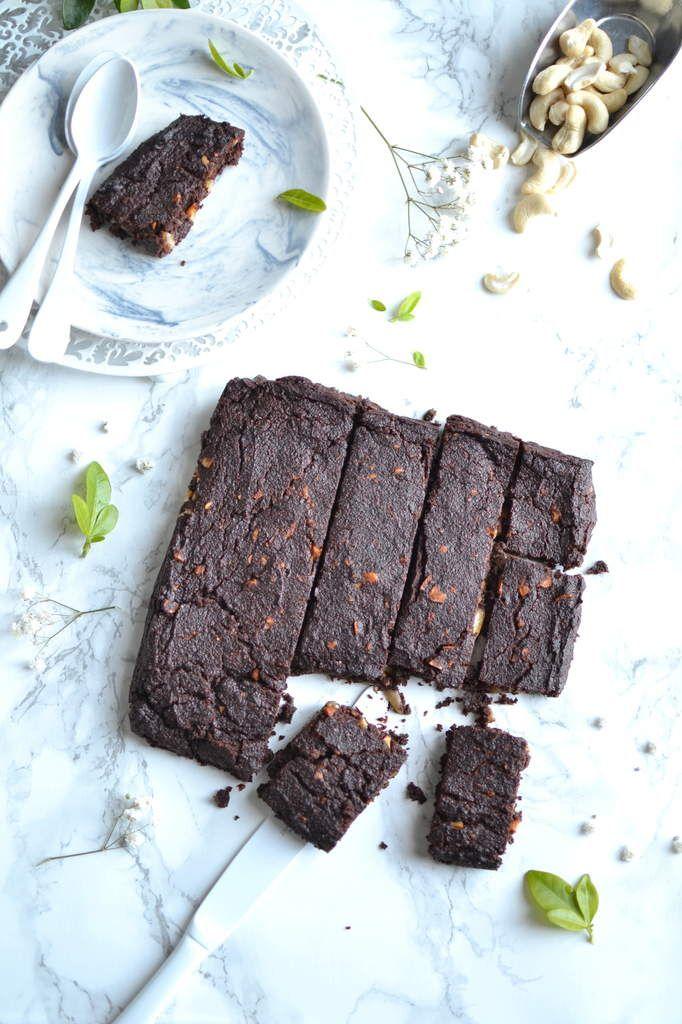 Brownie chocolat ~ banane ~ cajou { À l'okara de noisette - Sans Gluten et Vegan }