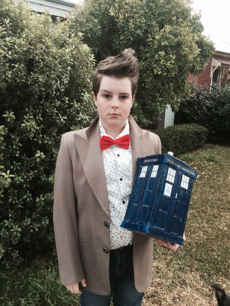 Dr Who Costume with homemade Tardis 😀 Book Week 2016