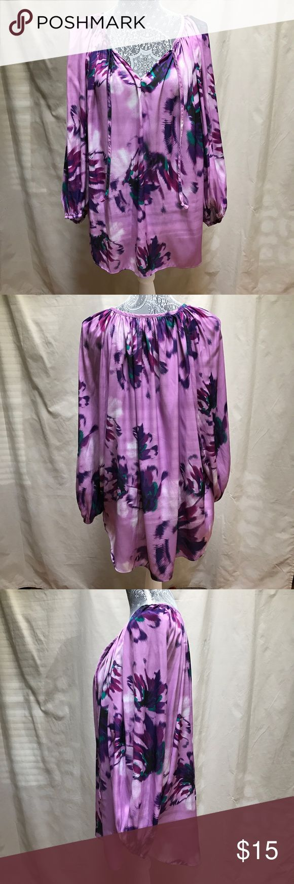 Jennifer Lopez Woman Floral Tunic Blouse 2X Jennifer Lopez Purple floral Tunic Blouse 2X 👚 Super soft and lightweight. Classic neckline with strings to tie a bow and long sleeve with elastic wrist. EUC, no rips, snags or stains. Jennifer Lopez Tops Tunics