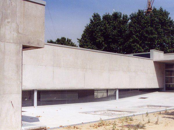 CEIP Folch i Torres, Palau Solità.  Primary school. #modern #architecture #jaumevalor