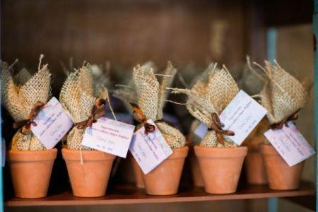 Nada mais PERFEITO do que dar de lembrancinha no meu casamento, sementes da planta AMOR PERFEITO.   ♥
