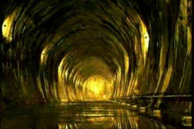 Aliens & UFOs! Are deep underground tunnels being built using nuclear tunnel drilling machines, and are these tunnels connecting secret military bases and housing alien research? http://www.blue-planet-project.com/Secrets-of-Dulce-Base.html