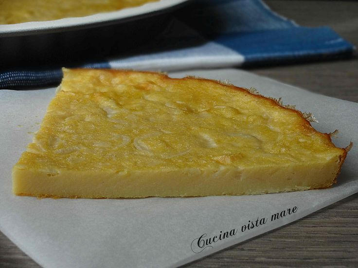 Questa frittata di cipollotti al forno non è una frittata qualsiasi: è una veg-frittata semplice, buona e gustosa, fatta con la farina di ceci e senza uova.