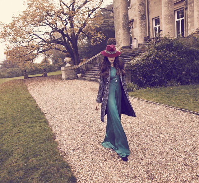 Fall #style means a great maxi dress and an oxblood fedora via @Netaporter #fashion