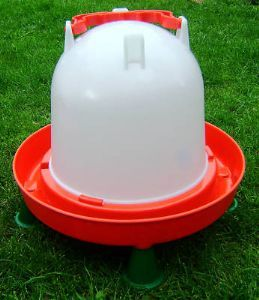 Large #poultry #drinker 6L with feet http://www.durham-hens-poultry-supplies.co.uk/poultry-drinker-with-feet-6l-181-p.asp