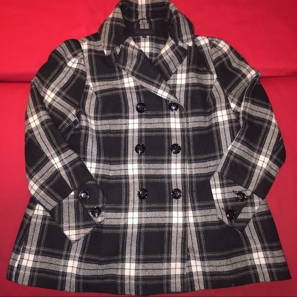Plaid plus size peacoat Black and white plain pea coat with cute details and slimming seams. Gently used, like new. Steve Madden Jackets & Coats Pea Coats