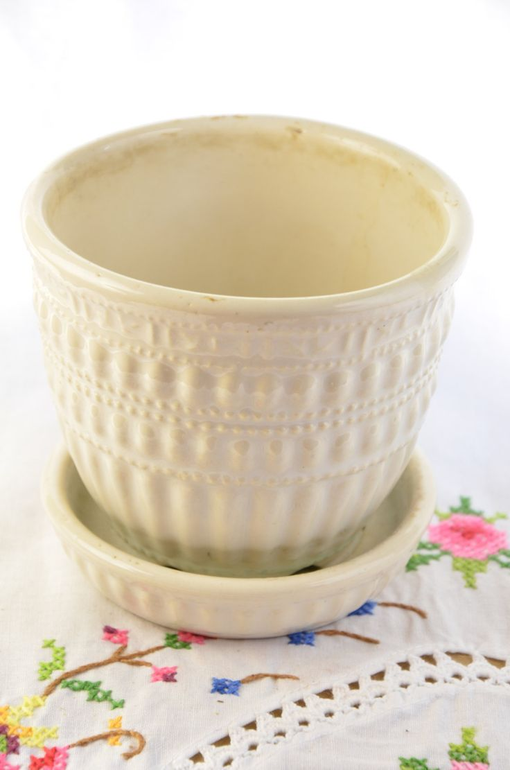 McCoy planter/ vintage flower pot/ green planter/ green McCoy planter/ small planter/ flower pot by VieuxCharmes on Etsy