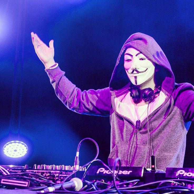Nicky Romero <3   TOULOUSE<3 #djculture #dj http://www.pinterest.com/TheHitman14/musician-djelectronic-%2B/