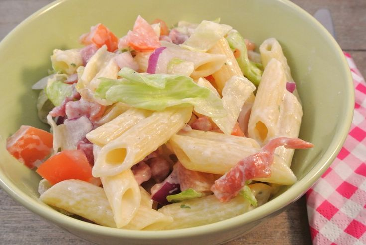 BLT pastasalade - Lekker en Simpel