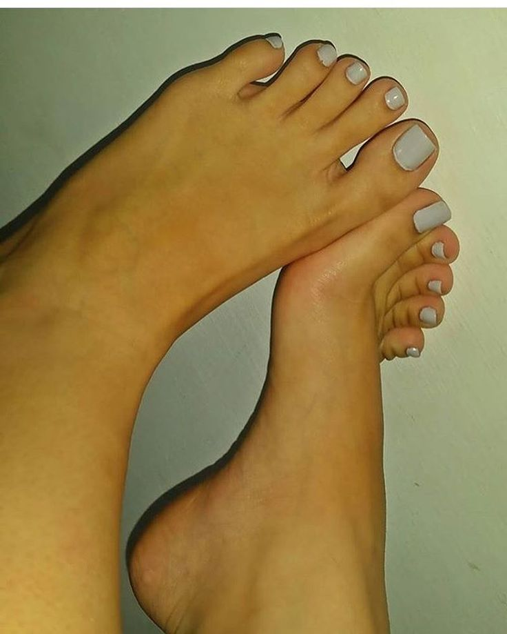 A collection of the best female feet pictures I found. No boots, no socks... just gorgeous feet.