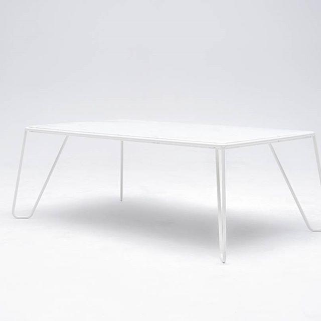 YILMAZ coffee table captured by tobiasfaisst.