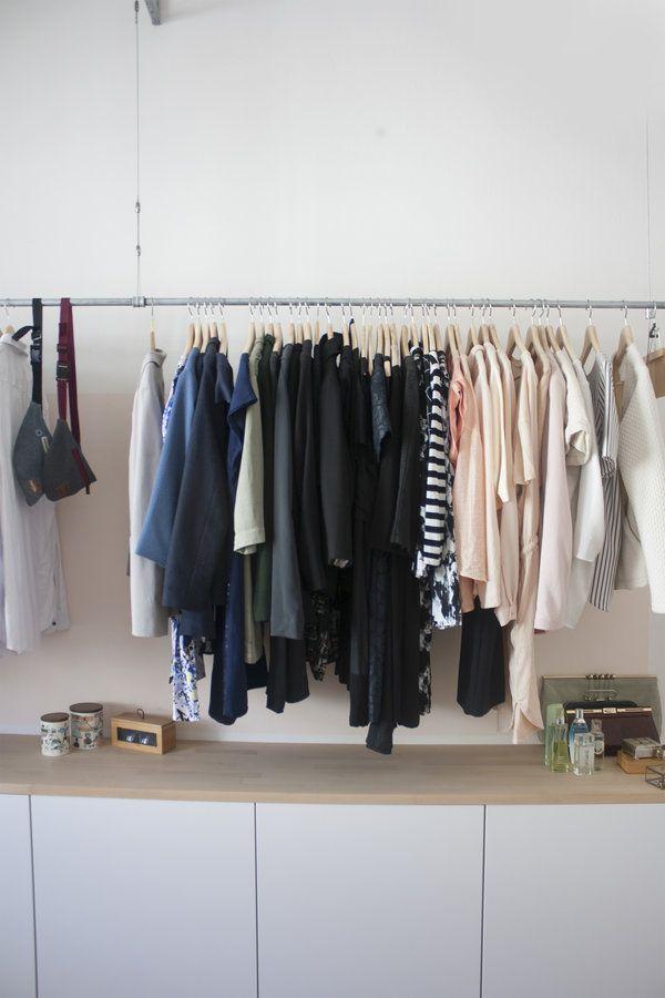 offener kleiderschrank stange neuesten. Black Bedroom Furniture Sets. Home Design Ideas