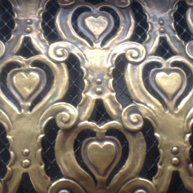 It's all about love in the Burgerzaal at stadhuis Rotterdam. A close up of the heating vents.