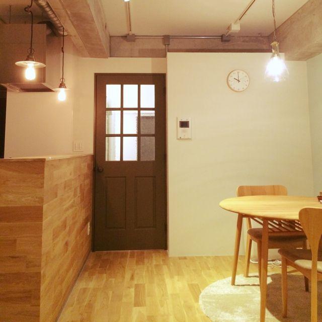 T.A.aさんの、リビング,リノベーション,無垢フローリング,オリーブ色のドア,のお部屋写真