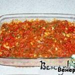 Белая фасоль, запечeнная в томатном соусе