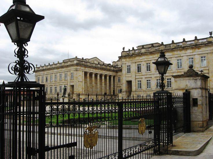 Palacio de Narino. Bogota. - Colombian President's house - La Casa de Nariño, también llamada Palacio de Nariño es la residencia oficial del Presidente de Colombia y es la sede de gobierno del país. Se encuentra ubicada en el centro histórico de Bogotá.