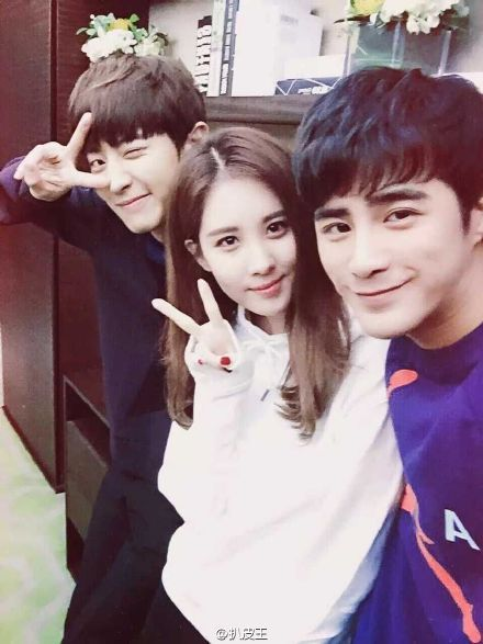 Seohyun with Jiang Chao & Chanyeol 'So I Married An Anti-Fan', by 扒皮王  #灿烈姜潮逆天CP#昨晚零点整,@姜潮 第一时... 来自扒皮王 - 微博