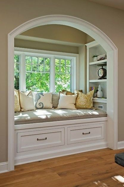 Love the reading nook! - Check out more Unique Home Features - http://goo.gl/yhSLCE