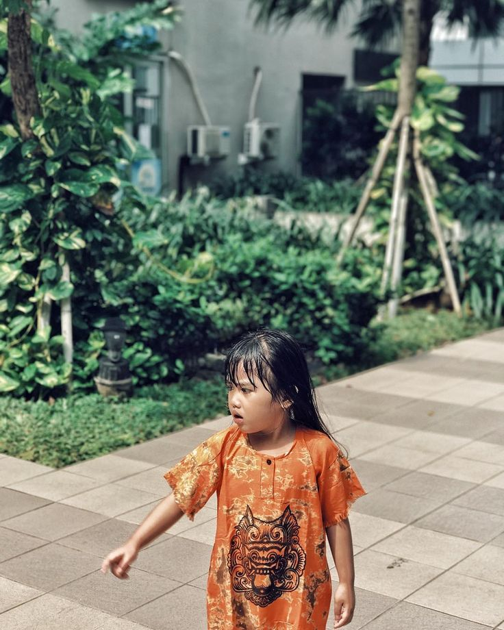 "513 Likes, 6 Comments - Christanto M Beanal (@chrismathbe) on Instagram: ""❤️👧🏻❤️ • • • #photography #potd #photooftheday #love #throwback #photographer #kidswall"""