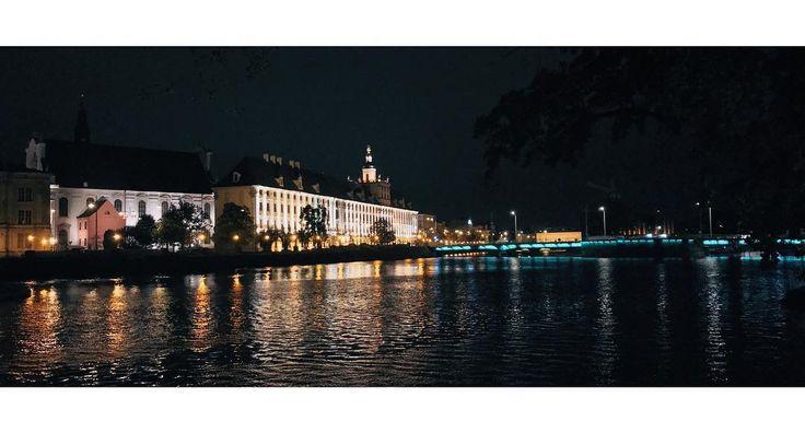 Uniwersytet Wrocławski  #wroclaw #wrocław #wroclove #uwr #water #river #building #old #lights #night #evening #reflection #bridge