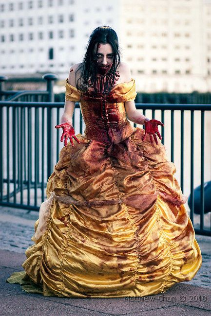 The Cosplaying Dead: Are These the 34 Greatest Horror Cosplay Mashups Ever? - moviepilot.com