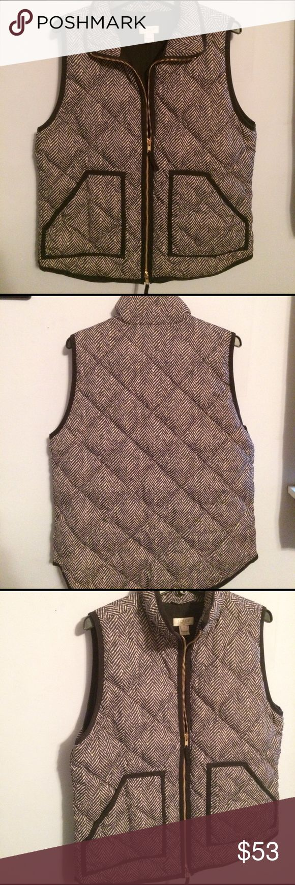 J Crew Small Vest Small Barely worn J. Crew vest. Black n white pattern with pockets! J. Crew Jackets & Coats Vests