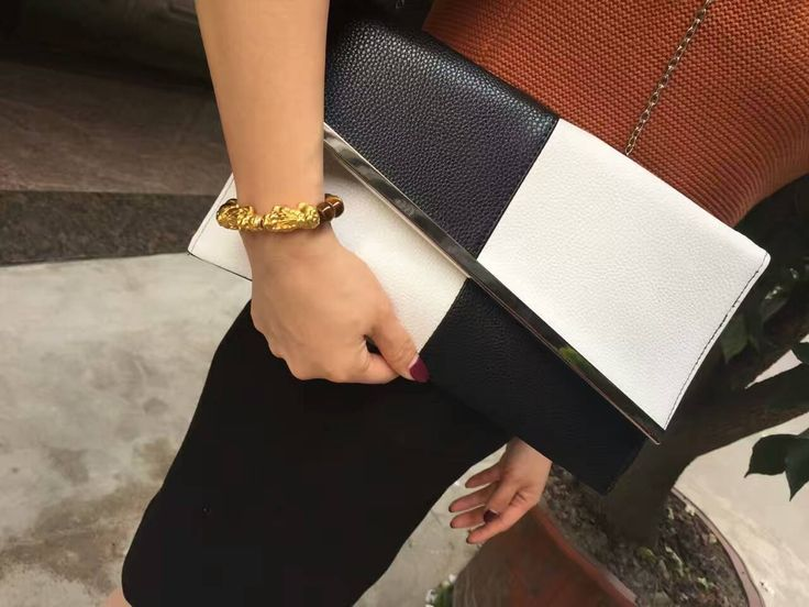 Item specifics  Brand Name:KEENICI Item Type:Handbags Style:Fashion Shape:Clutch Handbags Type:Day Clutches Occasion:Party Gender:Women Lining Material:Polyester Closure Type:Hasp Model Number:10168 Decoration:Sequined,Chains Hardness:Soft Numb...