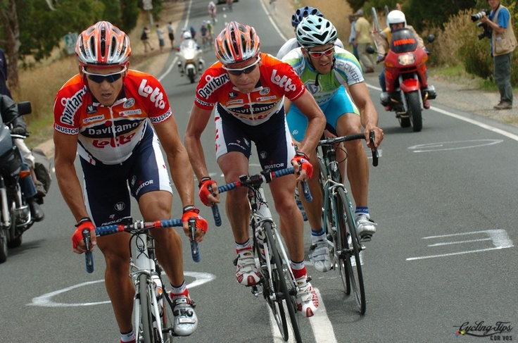 Robbie and Cadel in the 2005 Tour Down Under which he won stages 1, 2 and 6. It was an excellent season for McEwen, also winning 3 stages of the TdF, 3 stages of the Giro as well as the Australian National Titles