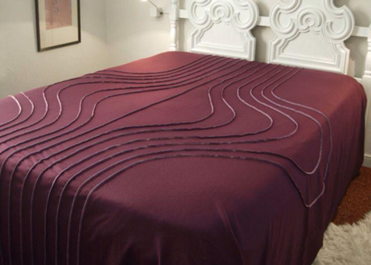 I mod, Onion Bedsread.  100% wool