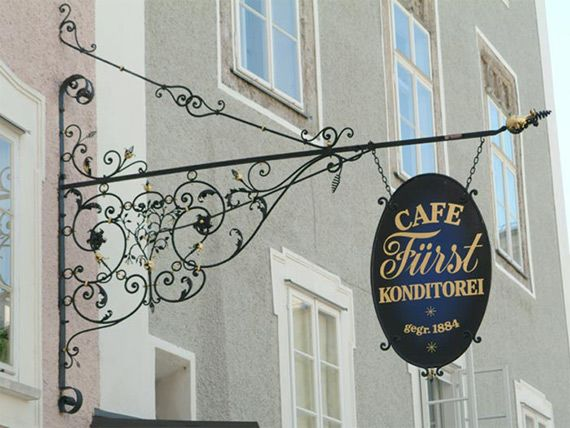 Original Salzburger Mozartkugel Café Pastry Shop Fürst in Salzburg Bachwürfel Patisserie coffee house