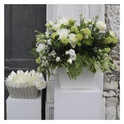 addobbo floreale per esterno chiesa - fotografie di matrimonio www.maisonstudio.it ©