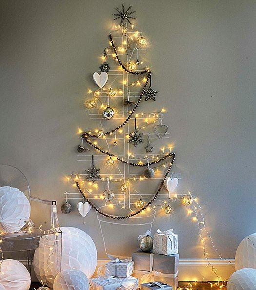Tem gente que adora encher a casa de enfeites coloridos de Natal! Mas tbém há aqueles que preferem uma decoração discreta, simples, leve, que combina muito com o verão e pode ser, sim, muito bonita! Vamos ver?