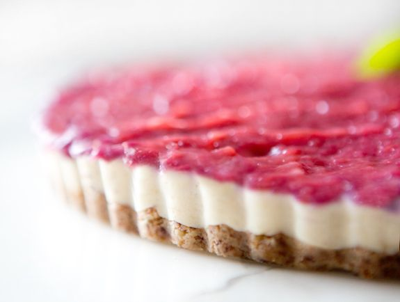 VEGAN RHUBARB CHEESECAKE - a house in the hills