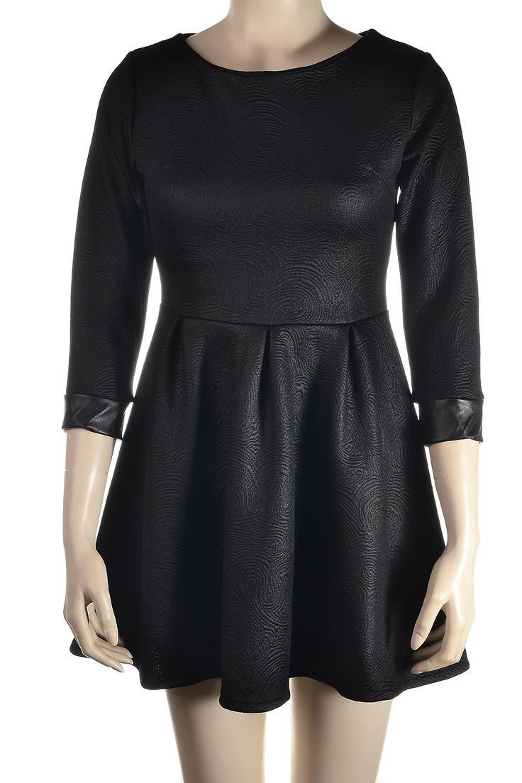 Φόρεμα http://goo.gl/VBub8o
