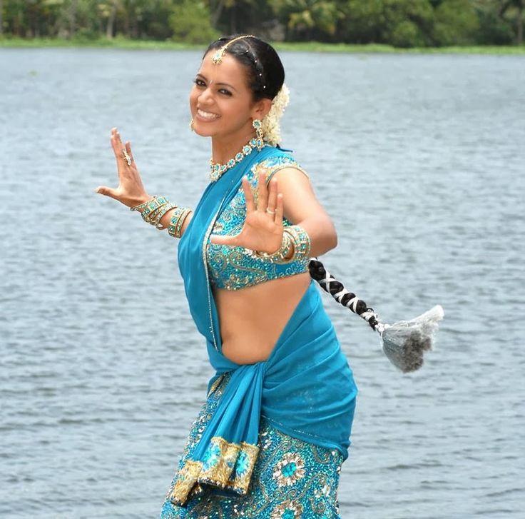 South Indian Actress Bhavana Hot Photos and Wallpapers | Hot Images