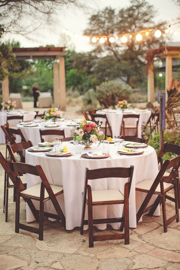Heavy appetizer wedding reception or a full plated dinner? | Photo: SMS Photography
