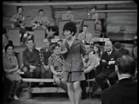 ▶ Laila Kinnunen - Vain päivän tahdon kerrallaan 1968 - YouTube