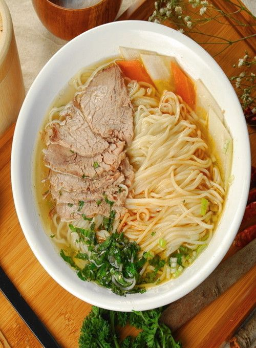 Halal Chinese Food - Lanzhou beef ramen, Enjoy Halal food, Chicken halal meat in Chinese Halal Restaurants with muslimtourtravel.com in China and get to know Muslim how to eat in China