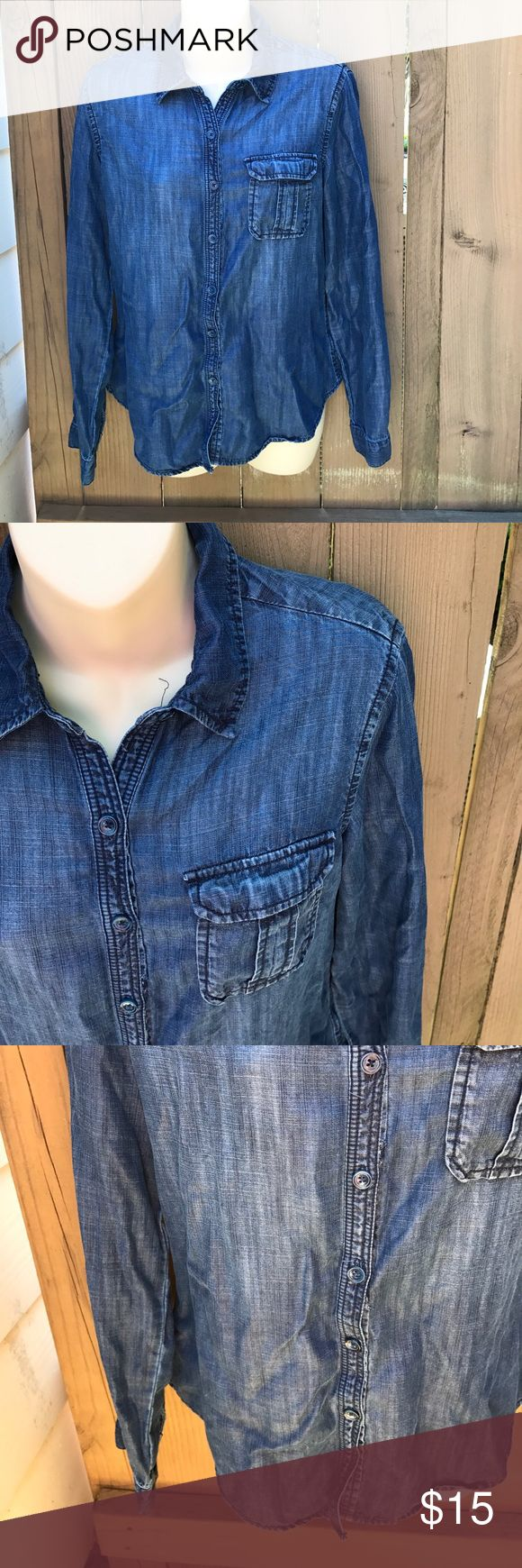 Size xs Coldwater Creek denim button down blouse Size xs Coldwater Creek denim button down blouse Coldwater Creek Tops Button Down Shirts