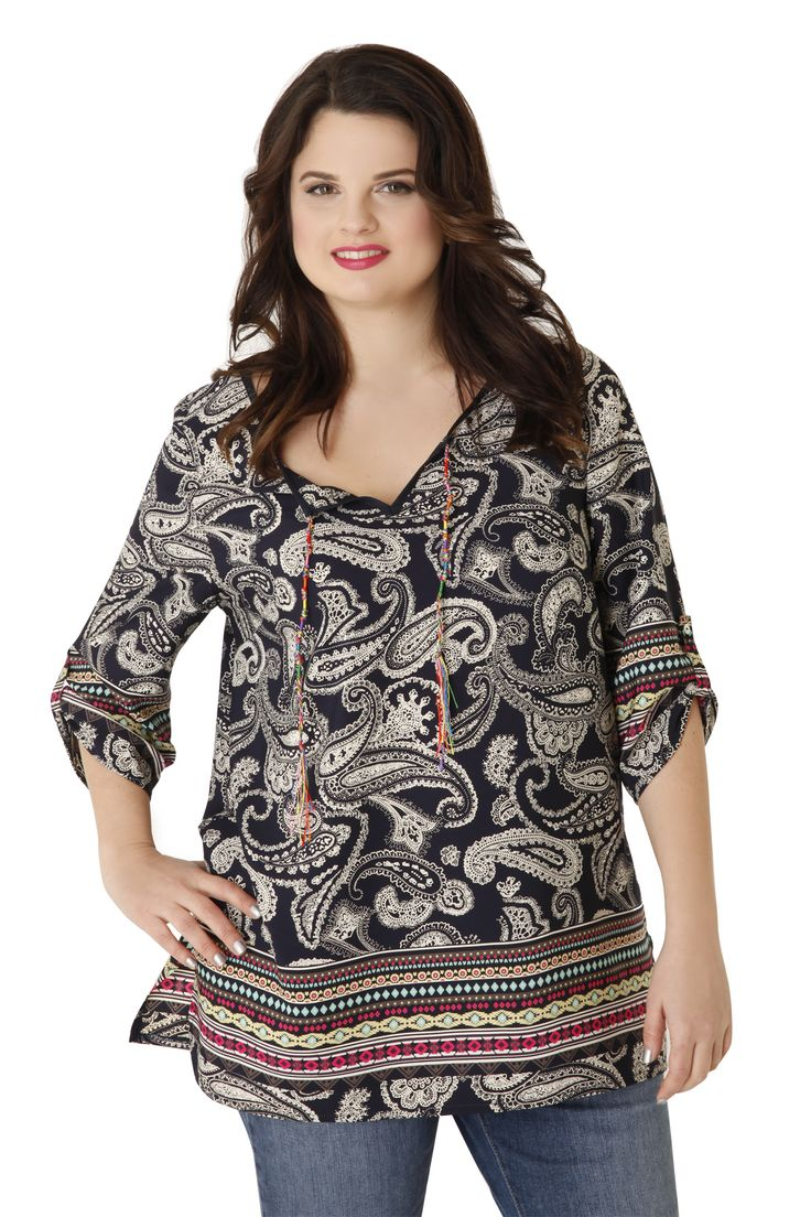 Airy tunic with paisley pattern and colourful cord at the V neckline. It has small side slits and 3/4 sleeves. It fits perfectly with jeans! Available in 2 colours.