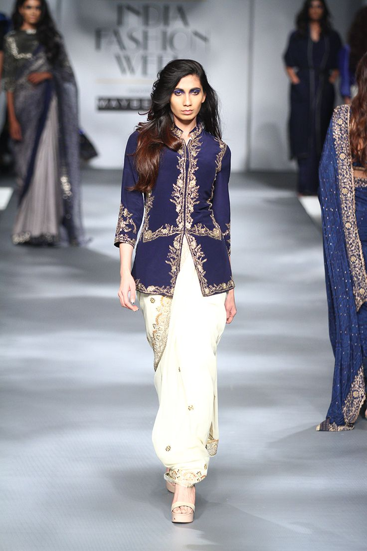 SARI 24/7 Fall/Winter 2017 collection INDIA FASHION WEEK ...